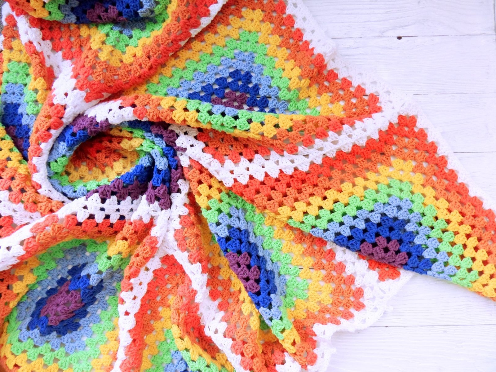 Knitted baby blanket rainbow square - PLED 266