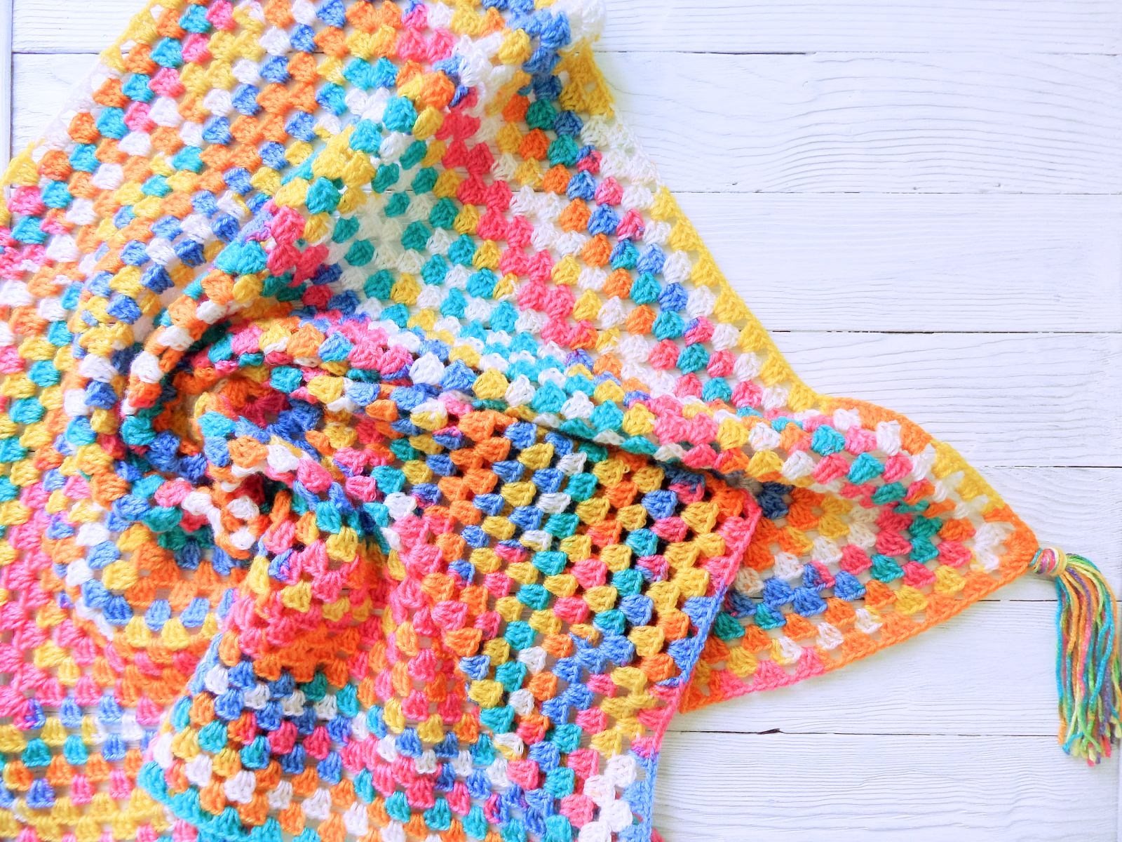 Knitted baby blanket multicolor - PLED 282