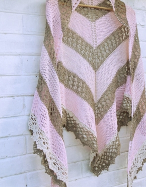 Shawl with pink linen lace - dachnaya 20 290x370