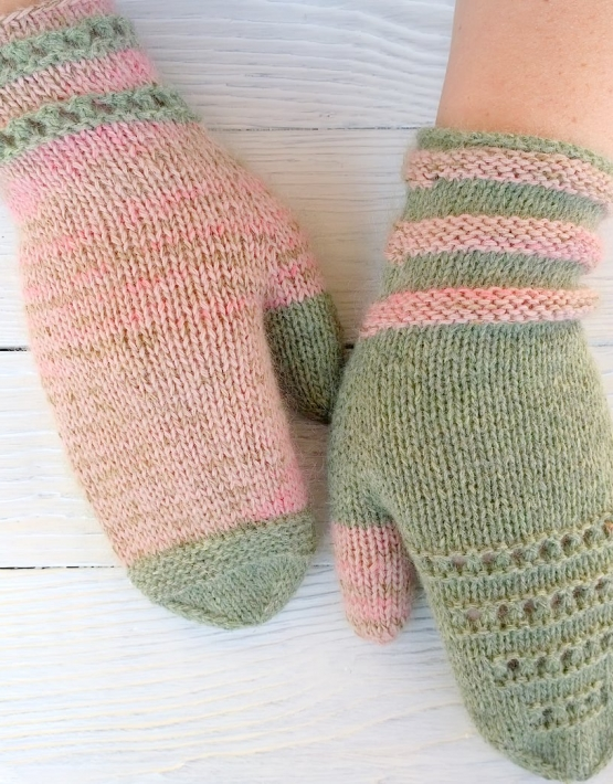 Mittens Miracle green-rose - mitenki 77 555x710