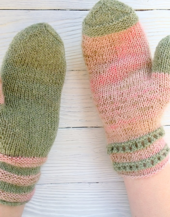 Mittens Miracle green-rose - mitenki 79 555x710
