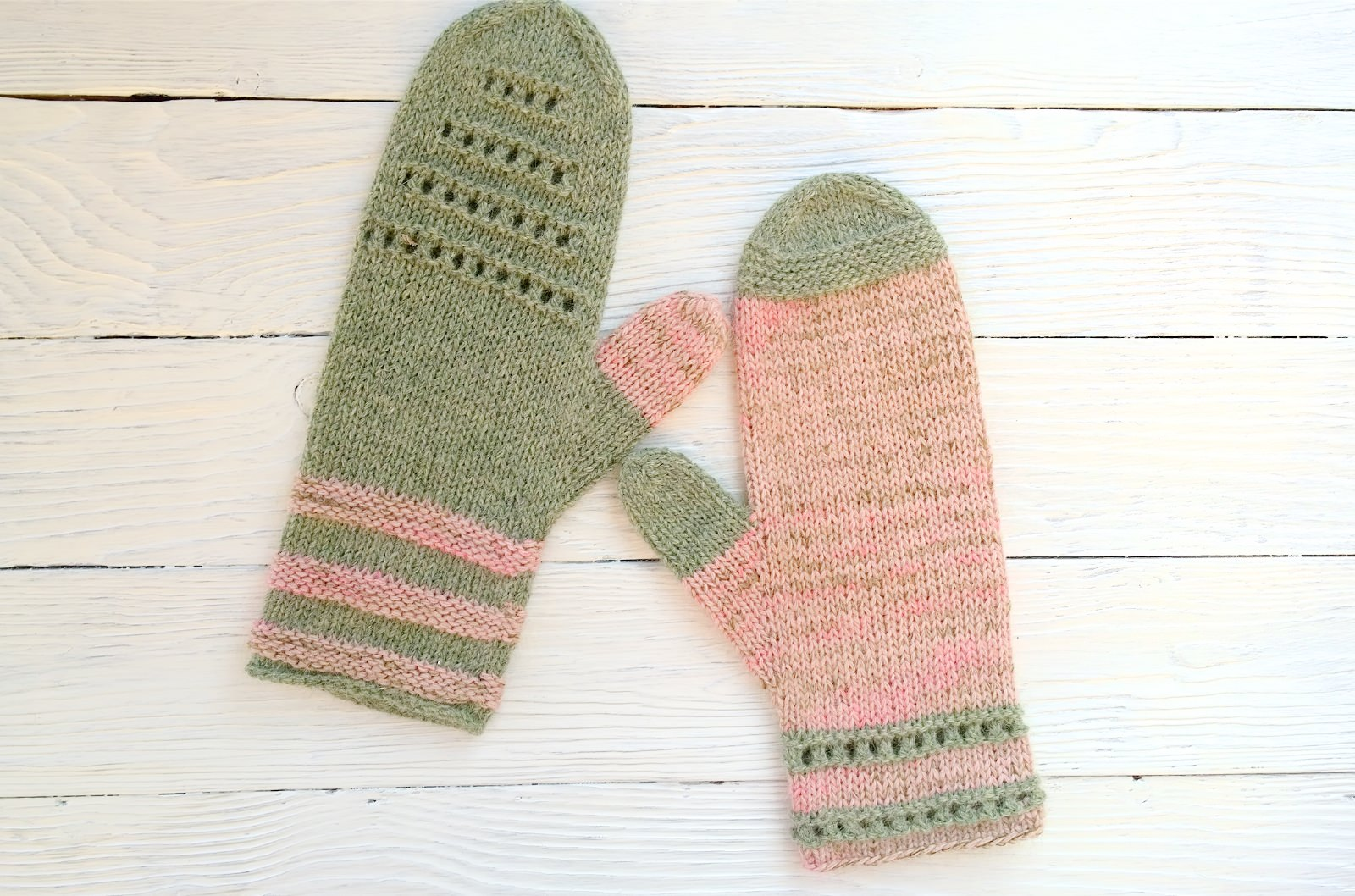 Mittens Miracle green-rose - mitenki 80