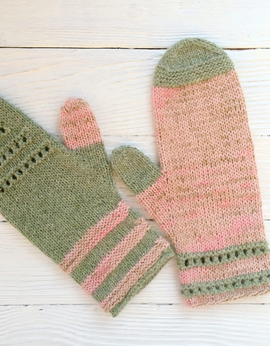 Mittens Miracle green-rose - mitenki 81 555x710