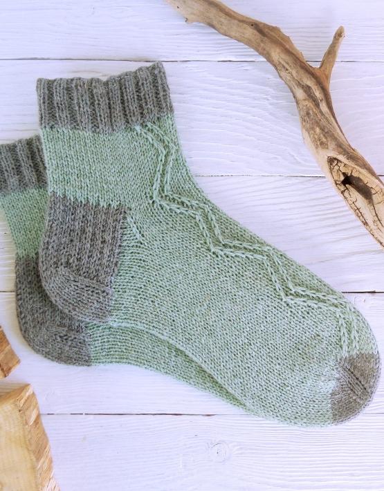Hand knitting socks S-05 - nosochki 56 555x710