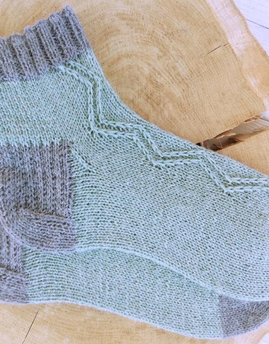 Hand knitting socks S-05 - nosochki 58 555x710