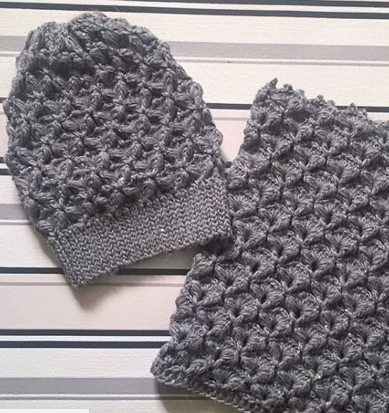 Set of hat and cowl dark gray color - tkanye sharfy 415 555x589